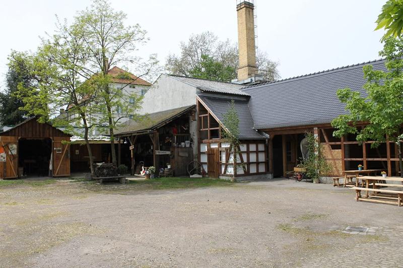 """Die """"Wolkser Höfe""""  in Leipzig-Liebertwolkwitz wurden von einer Bürgerinitiative restauriert und ermöglichen heute einen Blick in historische Handwerkerstätten."""