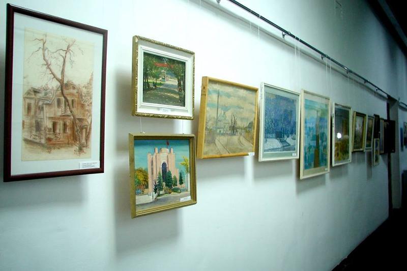 Wand mit Gemalten Bilderen