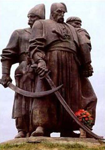 Denkmal für Bogdan Chmelnyzkyj in Kosatzky Mogyly unweit von Rivne