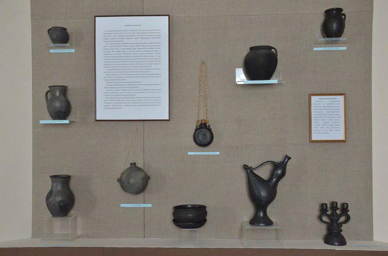"""Ausstellung """"Wolhynische Keramik"""" im Landeskundemuseum Luzk"""