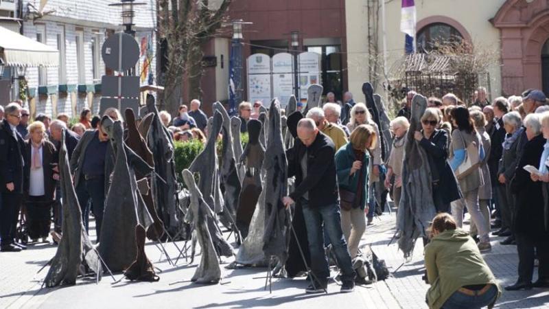 Erinnerung an den Todesmarsch von KZ-Häftlingen auf der VIA REGIA von Frankfurt bis Hünfeld