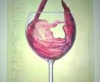 Weineglas was Rotwein gefüllt wird