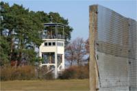 Grenzabschnitt mit Wachturm